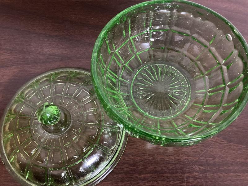 緑のキャンディポット プレスガラス
